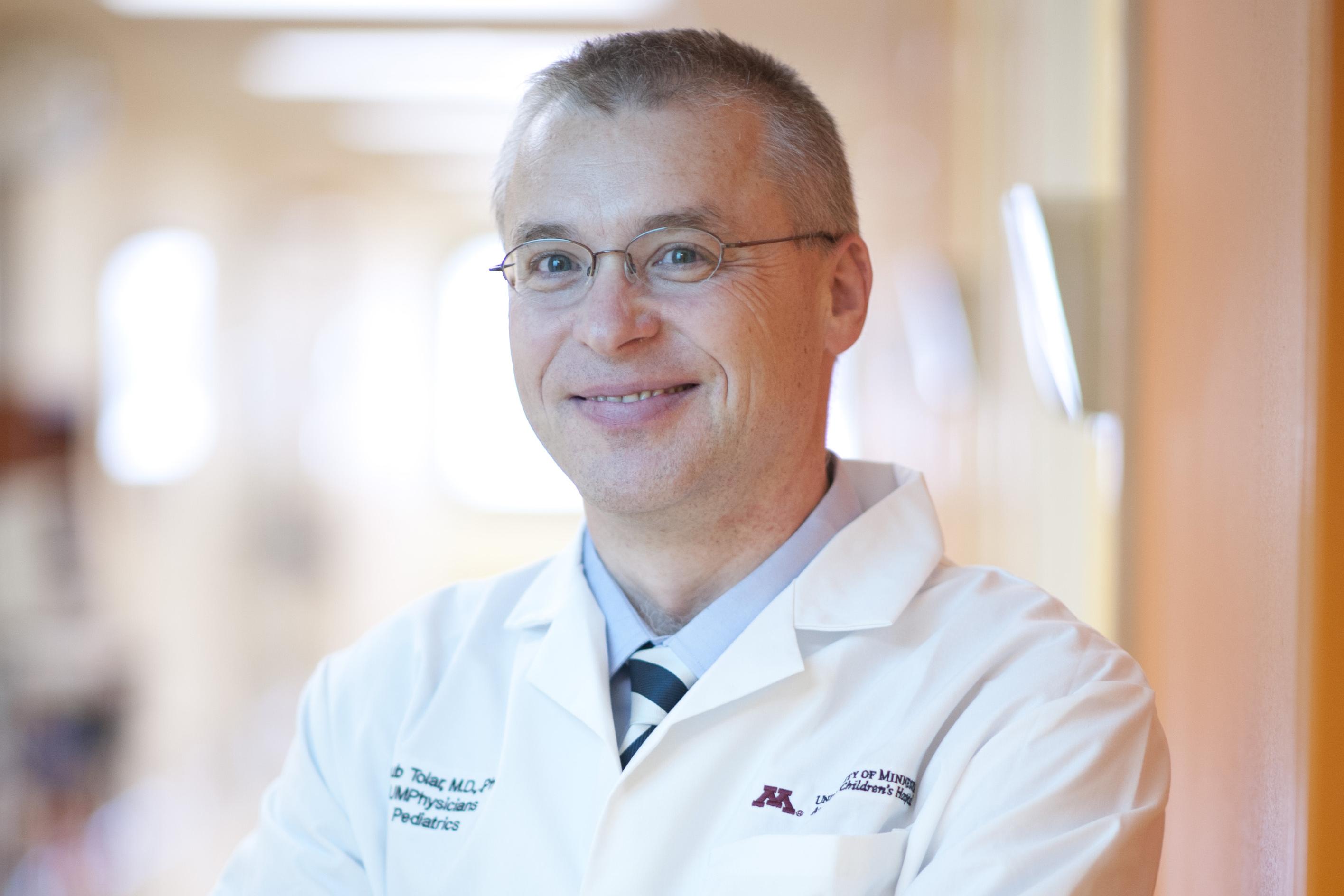 Dr. Jakub Tolar